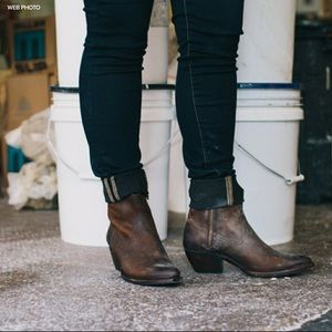 FRYE Western Leather Ankle Boots